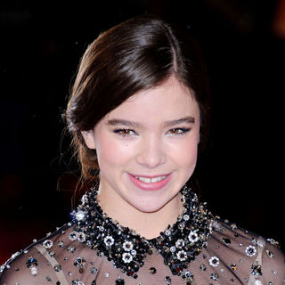 Hailee Steinfeld in 2011 Orange British Academy Film Awards (BAFTAs) - Arrivals