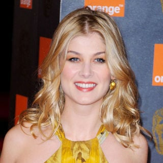 Rosamund Pike in 2011 Orange British Academy Film Awards (BAFTAs) - Arrivals