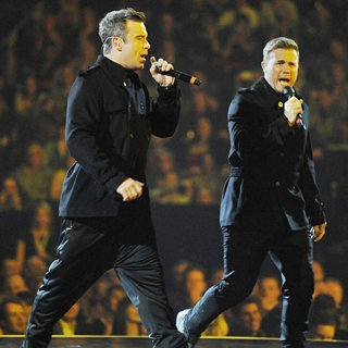 Robbie Williams, Gary Barlow in The BRIT Awards 2011 - Inside