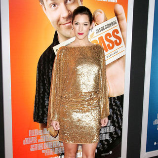 "Carly Craig in Los Angeles Premiere of Warner Bros. Pictures' ""Hall Pass"""