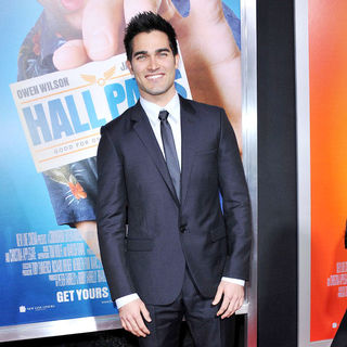 "Tyler Hoechlin in Los Angeles Premiere of Warner Bros. Pictures' ""Hall Pass"""