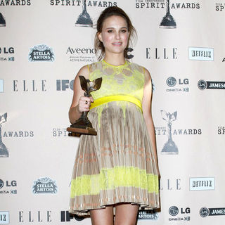 Natalie Portman in The 2011 Film Independent Spirit Awards - Press Room