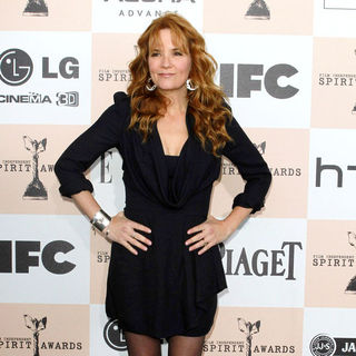 Lea Thompson in The 2011 Film Independent Spirit Awards - Arrivals