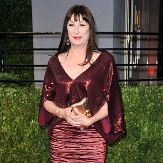 Anjelica Huston in 2011 Vanity Fair Oscar Party - Arrivals