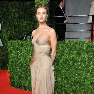 Rosie Huntington-Whiteley in 2011 Vanity Fair Oscar Party - Arrivals