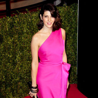 Marisa Tomei in 2011 Vanity Fair Oscar Party - Arrivals