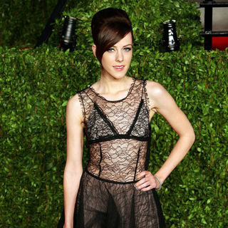 Jena Malone in 2011 Vanity Fair Oscar Party - Arrivals - wenn3231759