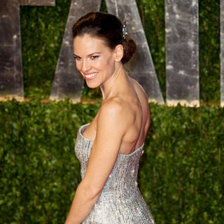 Hilary Swank in 2011 Vanity Fair Oscar Party - Arrivals