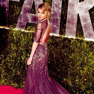 Emma Roberts in 2011 Vanity Fair Oscar Party - Arrivals