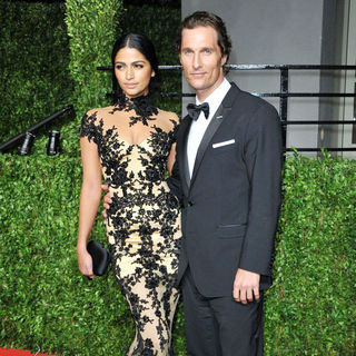 Camila Alves, Matthew McConaughey in 2011 Vanity Fair Oscar Party - Arrivals