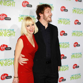 "Anna Faris, Chris Pratt in Relativity Media Presents The Premiere of ""Take Me Home Tonight"""