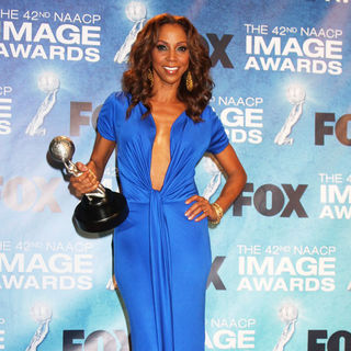 Holly Robinson Peete in 42nd NAACP Image Awards - Press Room
