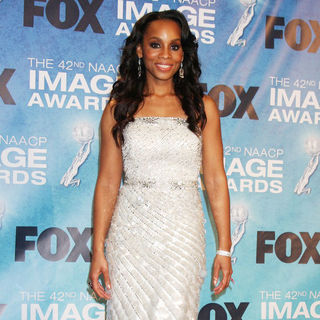 Anika Noni Rose in 42nd NAACP Image Awards - Press Room