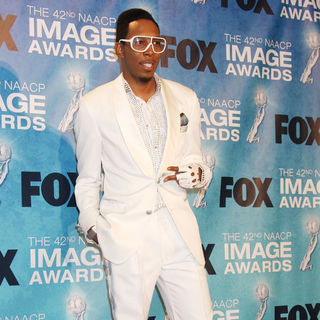 Deitrick Haddon in 42nd NAACP Image Awards - Press Room