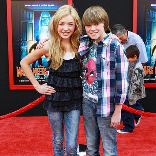 Peyton List, Spencer List in The Los Angeles Premiere of 'Mars Needs Moms!'