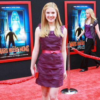 Caroline Sunshine in The Los Angeles Premiere of 'Mars Needs Moms!'