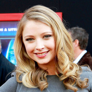 Elisabeth Harnois in The Los Angeles Premiere of 'Mars Needs Moms!'