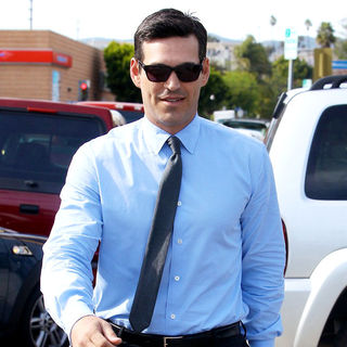 Eddie Cibrian in Eddie Cibrian Leaves An Office Building in Santa Monica