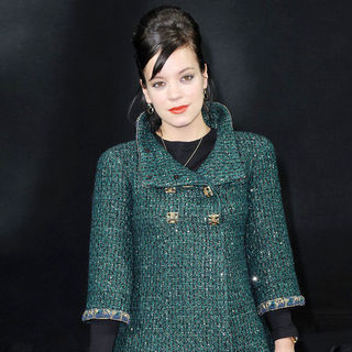 Lily Allen in Paris Fashion Week Ready to Wear Fall/Winter 2011 - Chanel - Inside