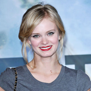 "Sara Paxton in ""Battle: Los Angeles"" Los Angeles Premiere"
