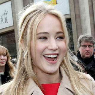 Jennifer Lawrence in Paris Fashion Week Ready to Wear Fall/Winter 2011 - Miu Miu - Outside Arrivals