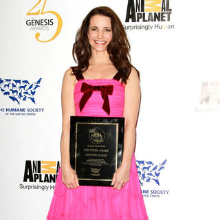 Kristin Davis in 25th Anniversary Genesis Awards - Press Room