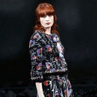 Florence and the Machine - Paris Fashion Week Ready to Wear Fall/Winter 2011 - Chanel - Catwalk