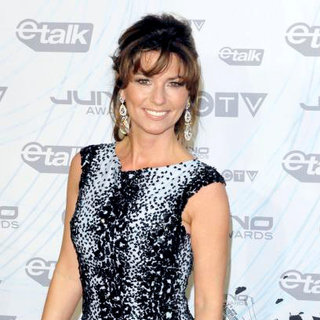 Shania Twain in 2011 JUNO Awards - Arrivals