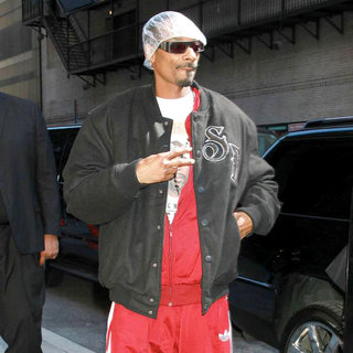 Snoop Dogg in The Late Show with David Letterman' at The Ed Sullivan Theater - Arrivals