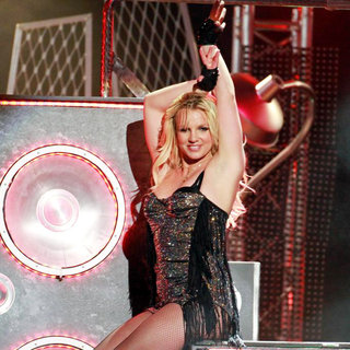 Britney Spears - Britney Spears Performing on 'Jimmy Kimmel Live!' to Promote Her New Album 'Femme Fatale'