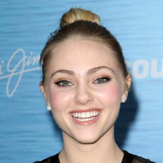 AnnaSophia Robb in The Los Angeles Premiere of 'Soul Surfer'