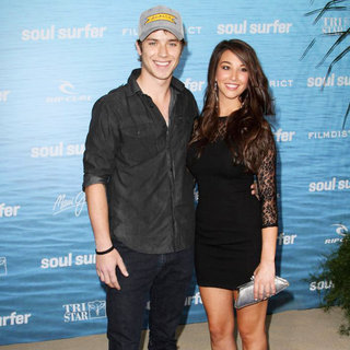 Jeremy Sumpter, Genevieve Helm in The Los Angeles Premiere of 'Soul Surfer'