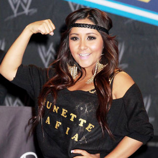 Snooki in A Press Conference with WWE Superstars for 'WrestleMania XXVII'