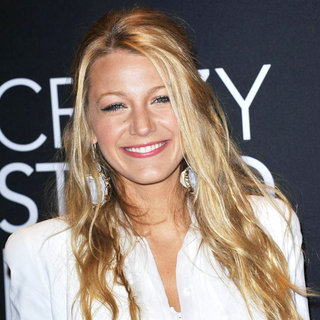 Blake Lively in Warner Brothers Pictures Presents 'The Big Picture 2011' Event - Arrivals