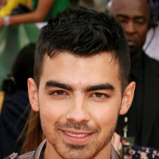 Joe Jonas, Jonas Brothers in Nickelodeon's 2011 Kids Choice Awards