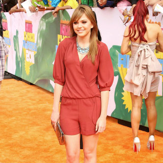 Aimee Teegarden in Nickelodeon's 2011 Kids Choice Awards