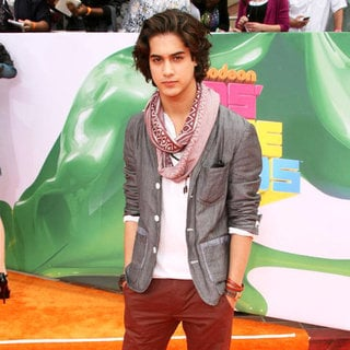Avan Jogia in Nickelodeon's 2011 Kids Choice Awards
