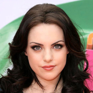 Elizabeth Gillies in Nickelodeon's 2011 Kids Choice Awards