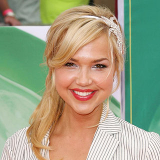 Arielle Kebbel in Nickelodeon's 2011 Kids Choice Awards