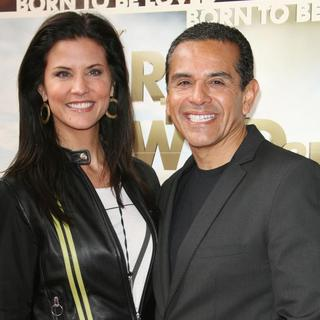 Lu Parker, Antonio Villaraigosa in World Premiere of Born to Be Wild 3D