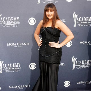 Hillary Scott, Lady Antebellum in The Academy of Country Music Awards 2011 - Arrivals