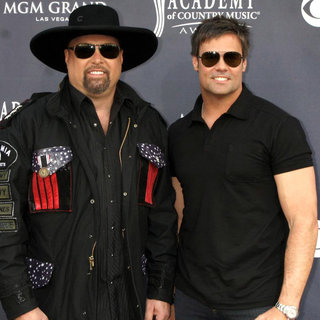 Montgomery Gentry in The Academy of Country Music Awards 2011 - Arrivals