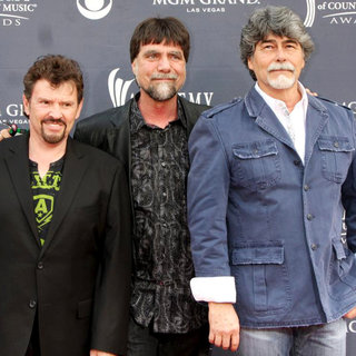 Alabama in The Academy of Country Music Awards 2011 - Arrivals