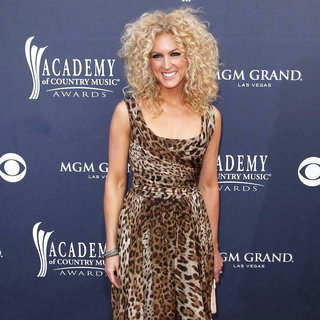 Kimberly Schlapman, Little Big Town in The Academy of Country Music Awards 2011 - Arrivals
