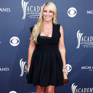 Lee Ann Womack in The Academy of Country Music Awards 2011 - Arrivals - wenn3280028