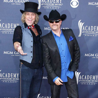 Big & Rich in The Academy of Country Music Awards 2011 - Arrivals