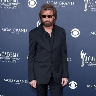 Ronnie Dunn in The Academy of Country Music Awards 2011 - Arrivals