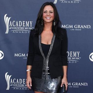 Sara Evans in The Academy of Country Music Awards 2011 - Arrivals