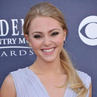 AnnaSophia Robb in The Academy of Country Music Awards 2011 - Arrivals