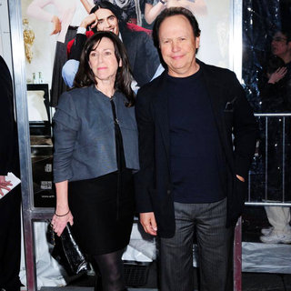 Janice Goldfinger, Billy Crystal in New York Premiere of 'Arthur' - Arrivals